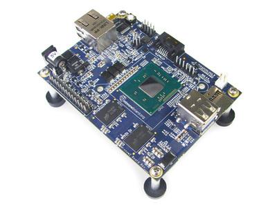minnowboard.orgのサイトにあるMinnowBoard MAXプロトタイプの写真。最終的にはCPUにヒートシンクが乗るとのこと。