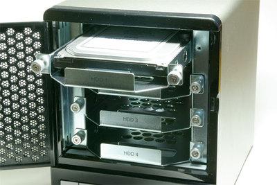 最大で4台のHDDを搭載することができるTS-409 Pro