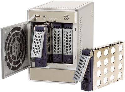ホットスワップ対応なので,NASを止めることなく安全にディスクを追加,または大容量ディスクへ変更可能