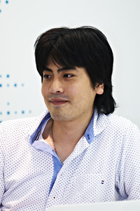 伊東弘満氏