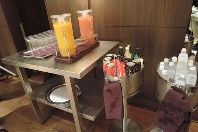 図3 会場の様子:軽食や飲み物が用意された