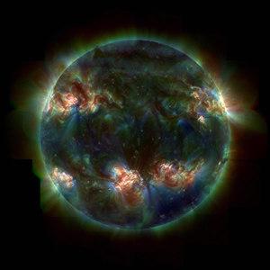 太陽を紫外線で観測すると,われわれの知らない素顔が現れる