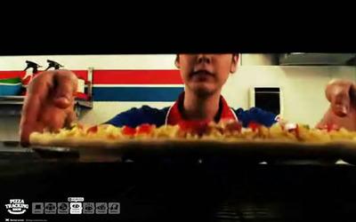 図3 「ピザトラッキングショー」では,映像で調理工程などを紹介
