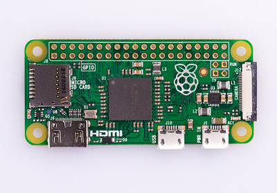 図1 Raspberry Pi Zero