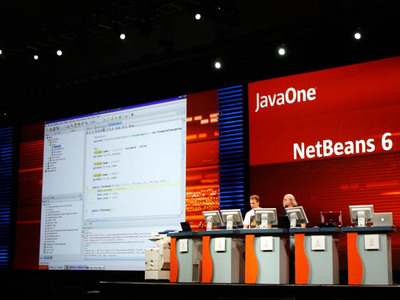 操作性に加えて,拡張性が上がったNetBeans 6
