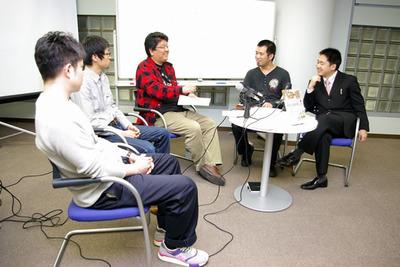左から,米林さん,久末さん,羽生さん,橋本さん,栗原さん