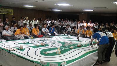 コースの全景(2010年九州地区大会より/写真提供:ETロボコン実行委員会)