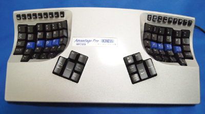 写真1 KINESISコンタードキーボード(Advantage pro)