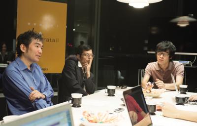 h_sakurai氏,katoy氏,編集部村下(左から)