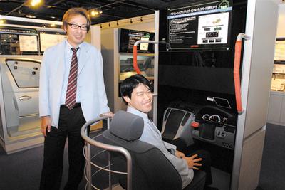 岩井明史さん(左),佐藤洋介さん(右)(写真:平野正樹)