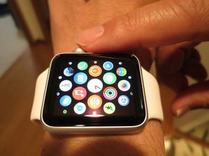 Apple Watchを使っている様子