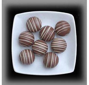 【楽天市場】【アメリカン・アイドル】8個★とろ~り生タイプの塩キャラメル入りミルクチョコレートのトリュフ:Montezuma's 1470円(税込・送料別)