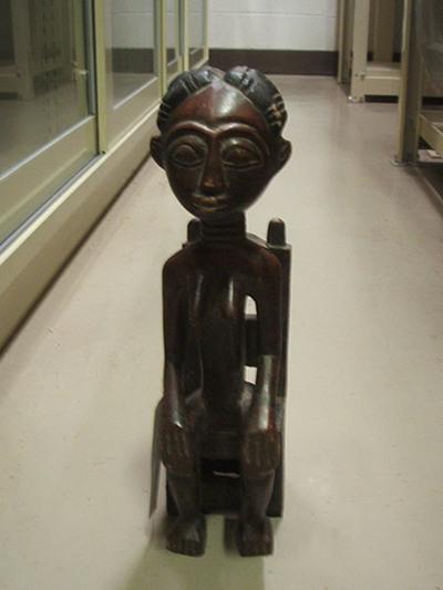 アフリカの人形