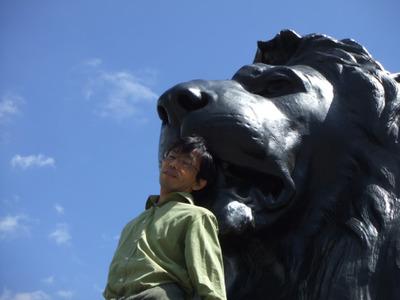 図2 ロンドンのトラファルガー広場のライオン像。
