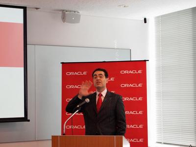 米Oracle Corporation製品管理担当バイスプレジデントMohamad Afshar氏。