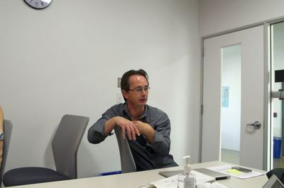 写真3 John Kenevey氏。