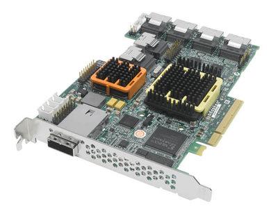 最上位機種の「Adaptec RAID 52445」業界最多の28ポートを備える。