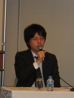 mixiのオープン化戦略として「コミュニケーションインフラ」を強調する,株式会社ミクシィ代表取締役社長 笠原健治氏
