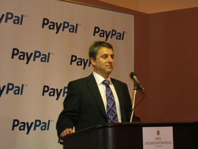 説明会開始にあたり,ペイパルジャパンの今後の日本展開について積極的に取り組むことを誓ったペイパルジャパン株式会社代表取締役 Andrew Pipolo氏