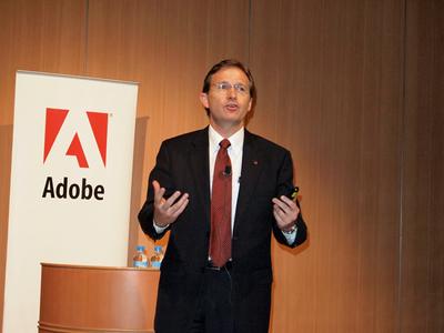 「たくさんの製品をリリースし,とても忙しい年でした。日本は,AcrobatとCreative Suiteに関して世界第2位にの市場であり,また,多くのFlashデベロッパー,世界最大のFlexコミュニティを抱ている,Adobeにとって非常に重要な地域です」と話す,アドビ システムズ株式会社代表取締役社長Craig Tegel氏