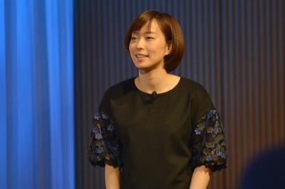 会見に登場した石川佳純選手