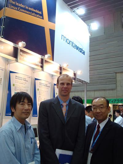 写真3 Joerg Bertholdt氏(中央)と小柳勉氏(右)