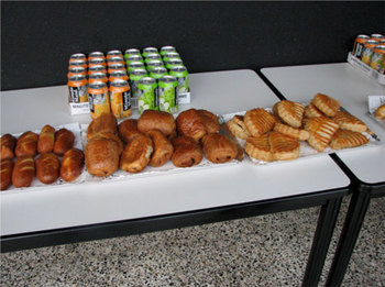 こちらもカンファレンス中に振る舞われたパン。コーヒーも提供される。