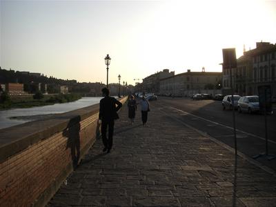 19時過ぎのイタリアの明るさ