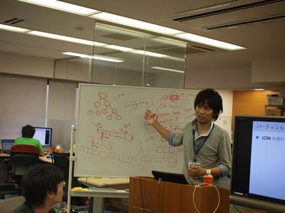 写真1 id:naoya氏による「はてな流大規模データ処理」