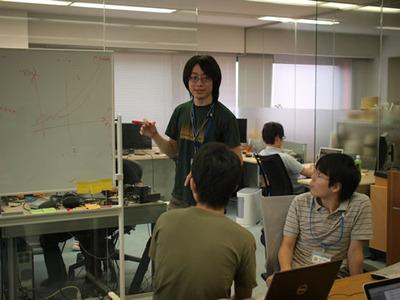 写真2 id:motemen氏による「はてなのデータでアルゴリズムを実用化する」