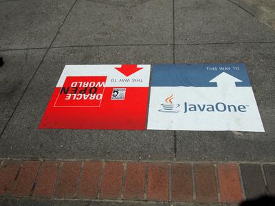 JavaOneメイン会場となるHilton Hotelの位置を示す道標。