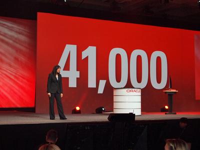 オープニングキーノートのトップバッター,Oracle CMO Judith Sim氏。