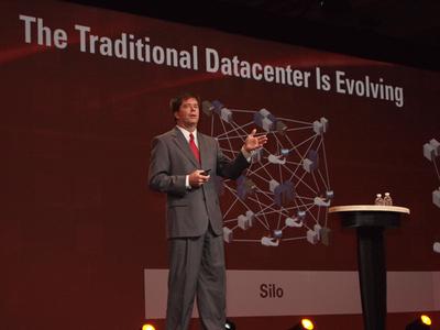 John Fowler氏はSun買収により,Oracleのテクノロジーがますます強化されていくことを強調した。