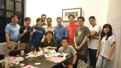 写真2 APAC地域のPyCon代表メンバー(シンガポール,日本,韓国,マレーシア,アメリカ,台湾,香港)
