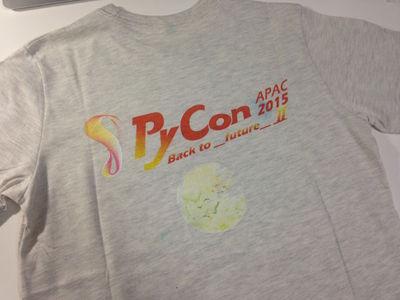 図10 Tシャツ(後)