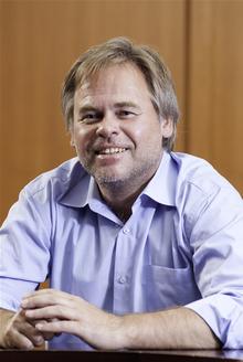 「ZAO Kaspersky Lab (カスペルスキー研究所)のCEOであるユージン・カスペルスキー氏」