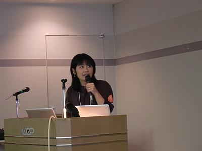 Automattic, Inc. Happiness Engineerという肩書きを持つマクラケン直子氏。WordPressを包括的に紹介し,日本におけるさらなるWordPressの普及を期待した