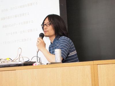 高山氏は,WordPressプラグイン活用について,コーディングと実行デモを交えながら解説した。