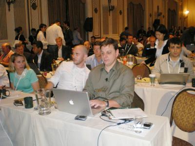 共同主催者マイケル・アリントン(前列右端)