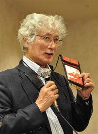 インターネット協会(IAJapan)の高橋徹氏も記者会見に出席。