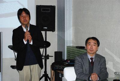 キングジム開発本部 電子文具開発部長 亀田豊信氏(右),広報部リーダー 田辺賢一氏(左)