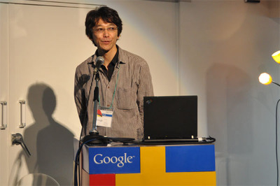 パーティはGoogleエンジニアリングマネージャの及川卓也氏による乾杯の挨拶で始まりました。