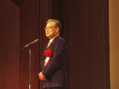 開催にあたり挨拶を述べる,グーグル株式会社名誉会長 村上憲郎氏。