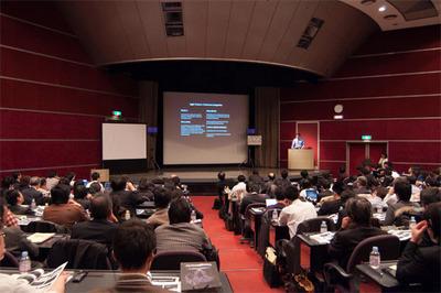 満席の基調講演