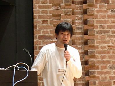 開会に先立ち挨拶を述べる株式会社ヌーラボ代表取締役橋本正徳氏。福岡で働くWebの人々(FWW)などの運営にも関わっている。