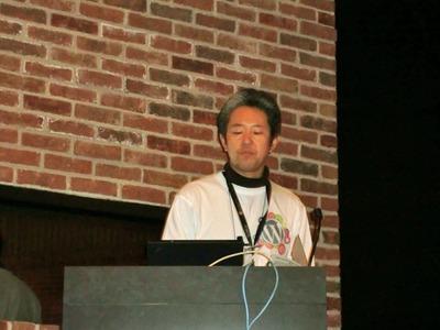 非常に豊富なWeb技術を持つMicrosoftが,どのようにWordPressに向けて取り組むか,デモを交えながら解説した鈴木氏。