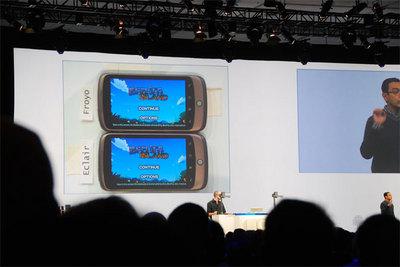Android2.2(Froyo)と2.1(Eclair)のパフォーマンス比較を行うデモ