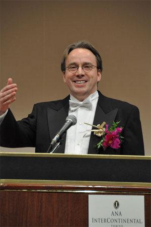 受賞講演でのLinus氏「すべての皆さんに感謝します」