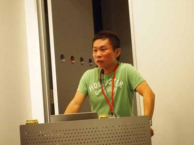 イベントの企画者でもあり,モデレータを務めた山崎氏。