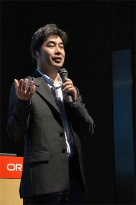 昨日に続いてMCはJavaOne Tokyo 2012実行プロジェクトリーダーの伊藤敬氏。残りの時間を目いっぱい楽しんでほしいと挨拶。